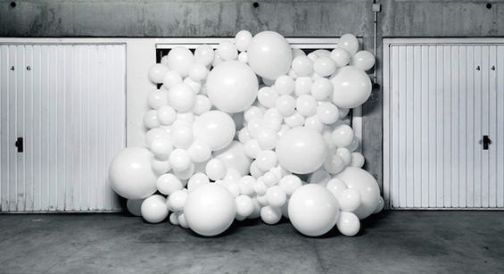 Joyful Photographs Of Balloons By Charles Petillon Photography