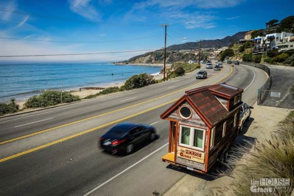 Couple Quit Their Jobs and Built a Tiny Mobile House to Travel Acrosss the Country Photography