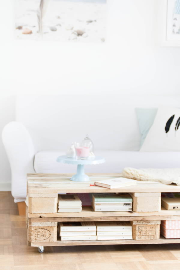 Pallet Coffee Table With Storage Design DIY + Crafts