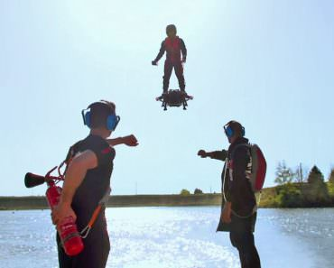 Amazing, This Man Can Fly with New Flyboard Project!