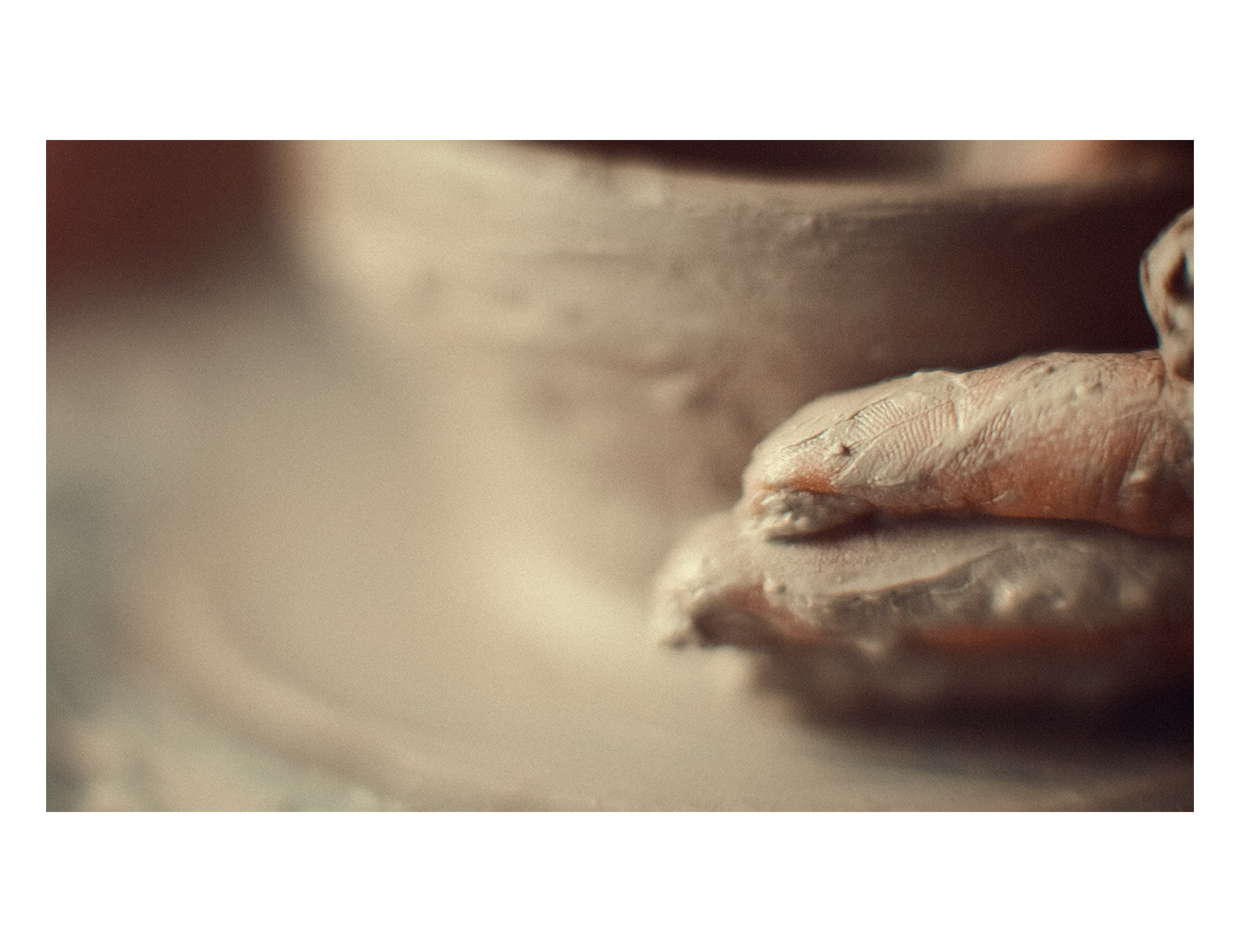 Discover Pottery through Beautiful Shots – Fubiz Media Design