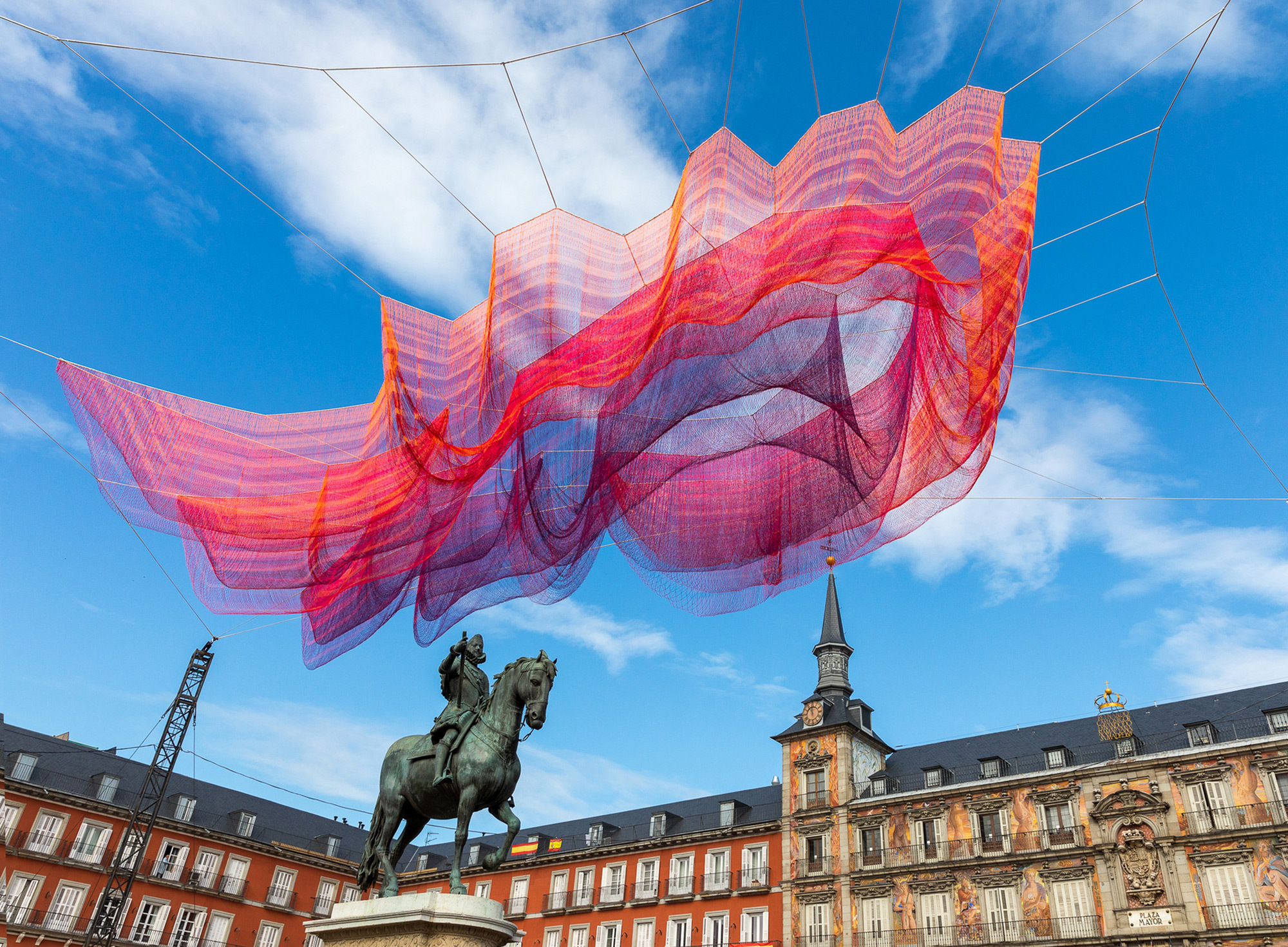 Fantastical Floating Sculptures That Will Send Your Mind Soaring | Geek Universe