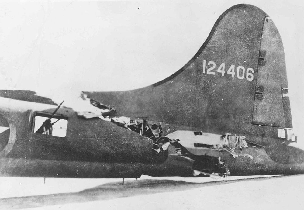 The B-17 That Flew With Its Tail Sliced Off Photography