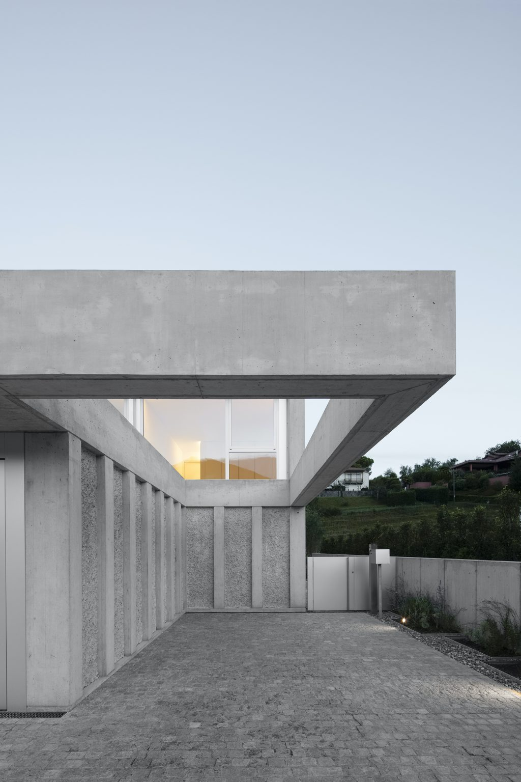 Beautiful Concrete Villa in Switzerland – Fubiz Media Design
